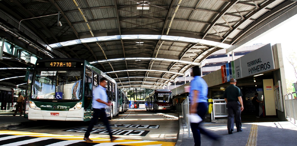 Imagem de um Terminal Urbano de Ônibus